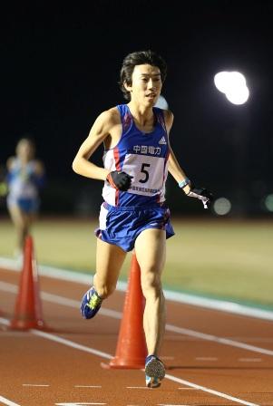 2013_第4回中国実業団記録会(10000m:藤森).jpg